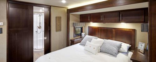 summit_bedroom